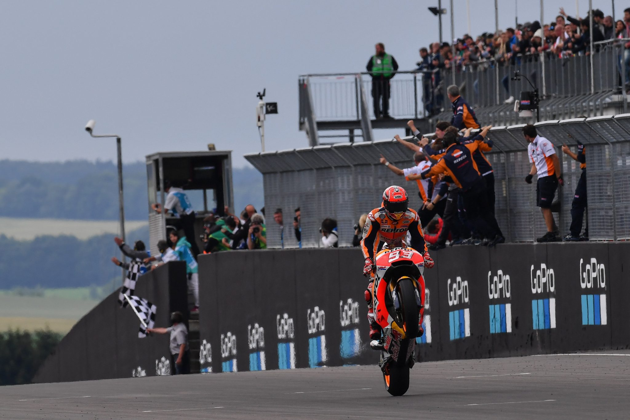 MARQUEZ IS DER KONIG: Wins 8th German GP