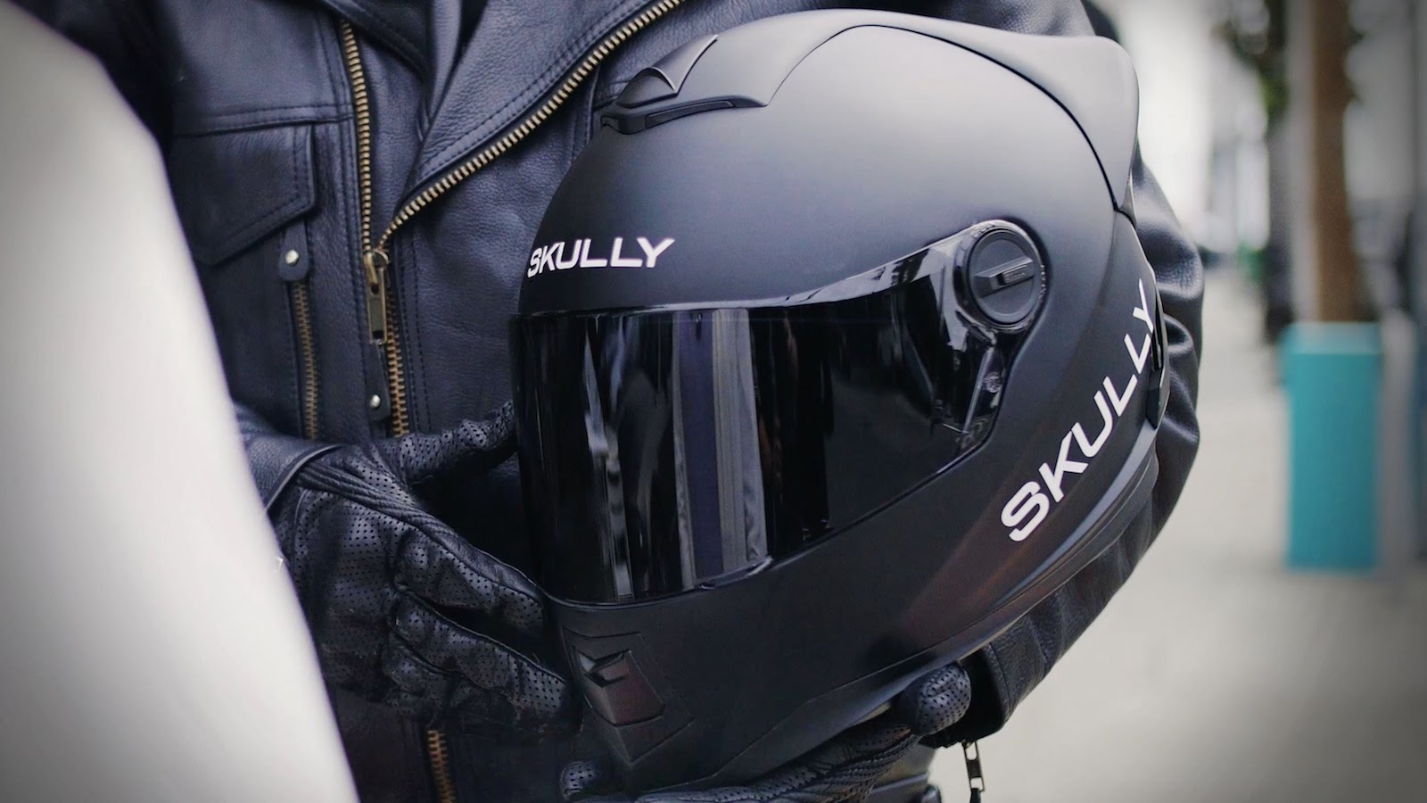 Skully Technologies makes a comeback with upgraded AR-1 Fenix Helmet