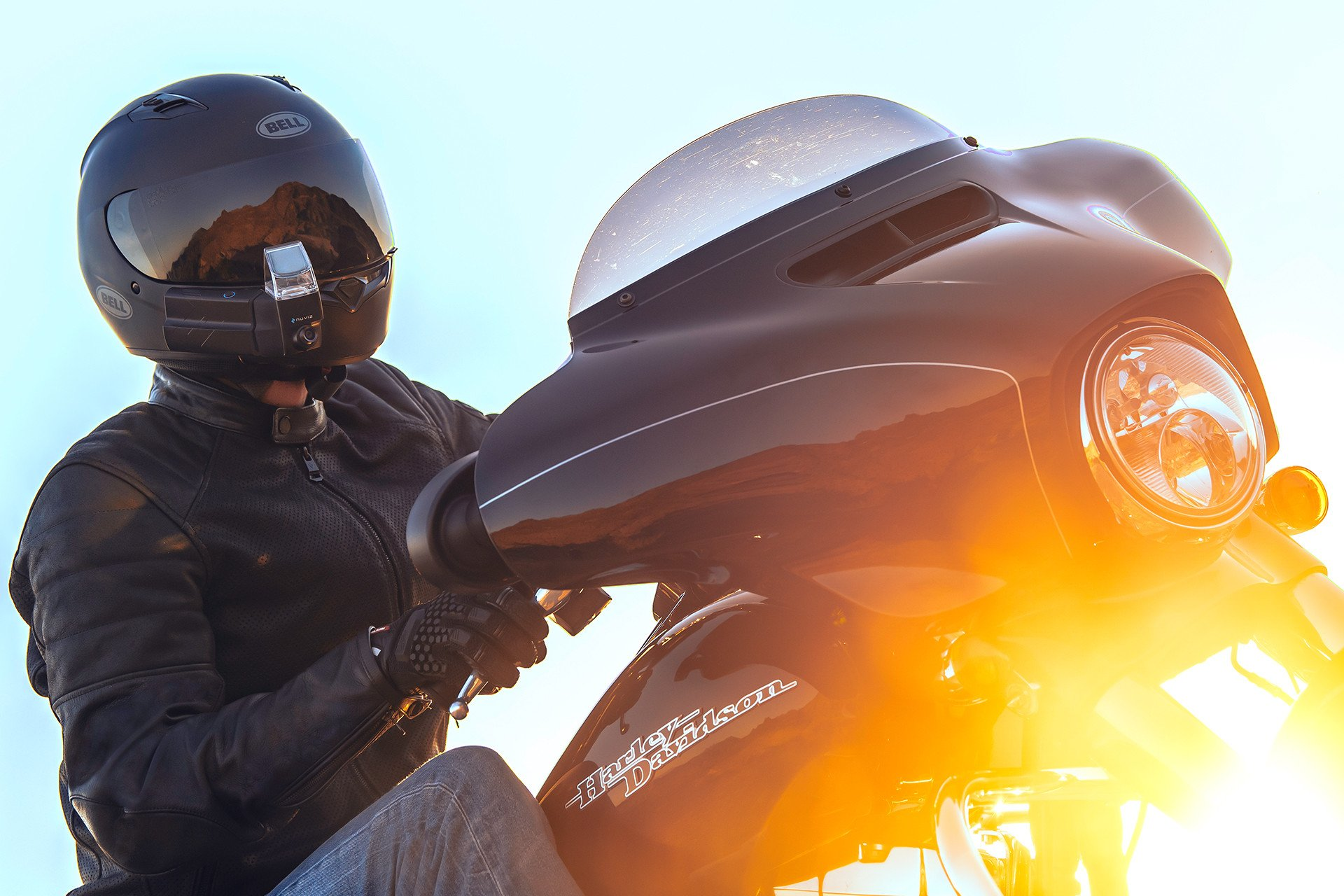 Nuviz debuts fully-integrated Head-up Display (HUD) system for motorcyclists