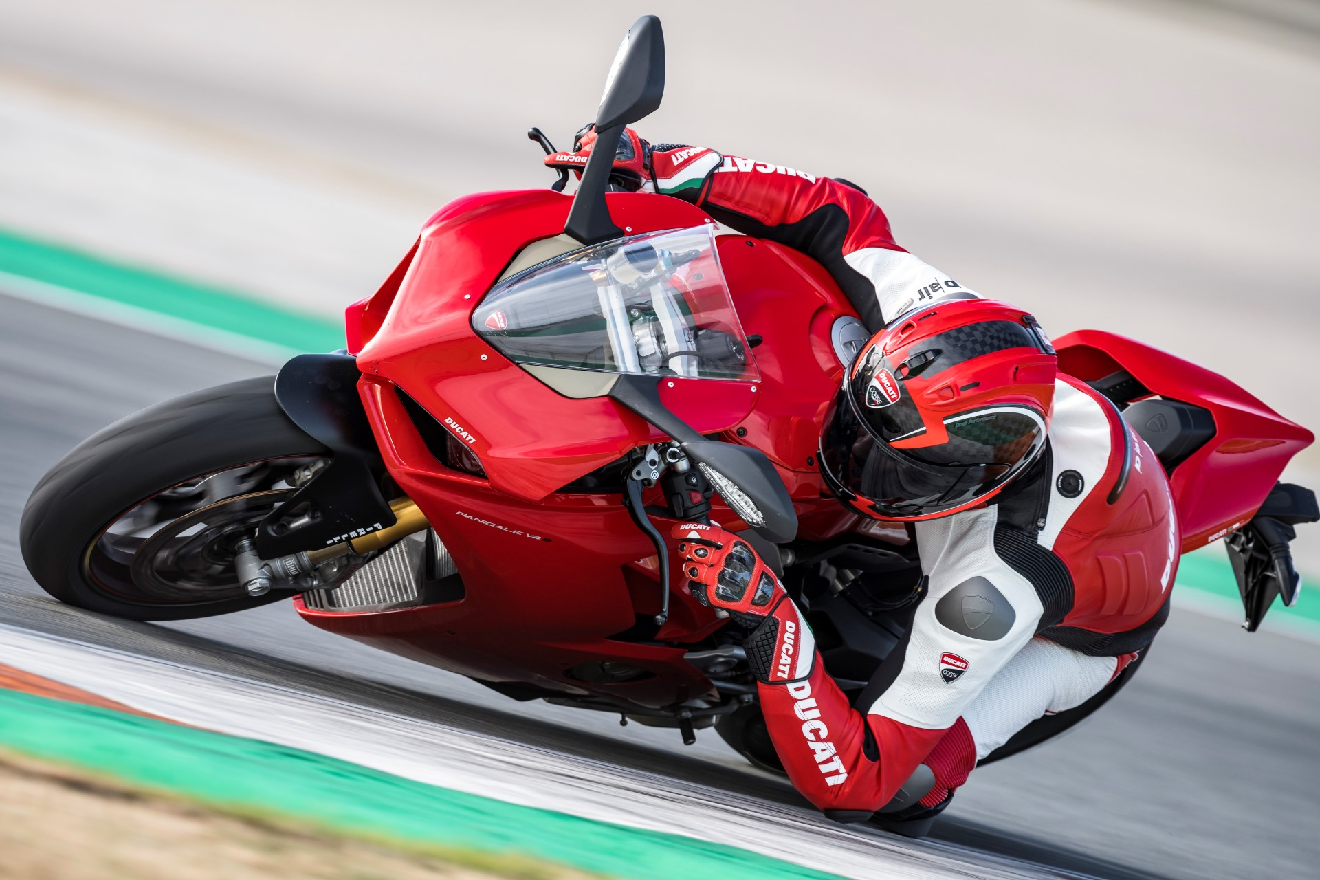 Ducati sells almost 60.000 motorcycles worldwide in 2017