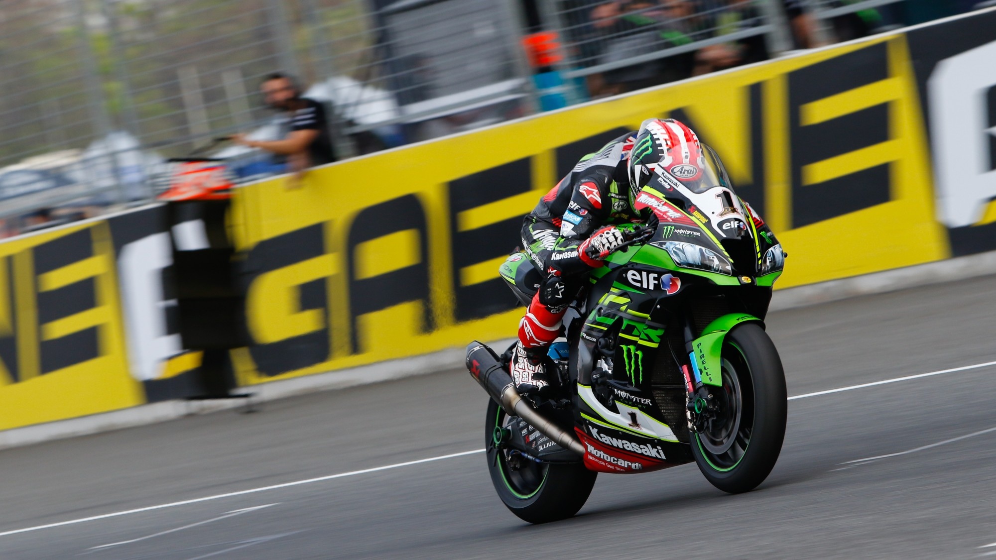 SBK Thailand – Kawasaki duo on top after FP3