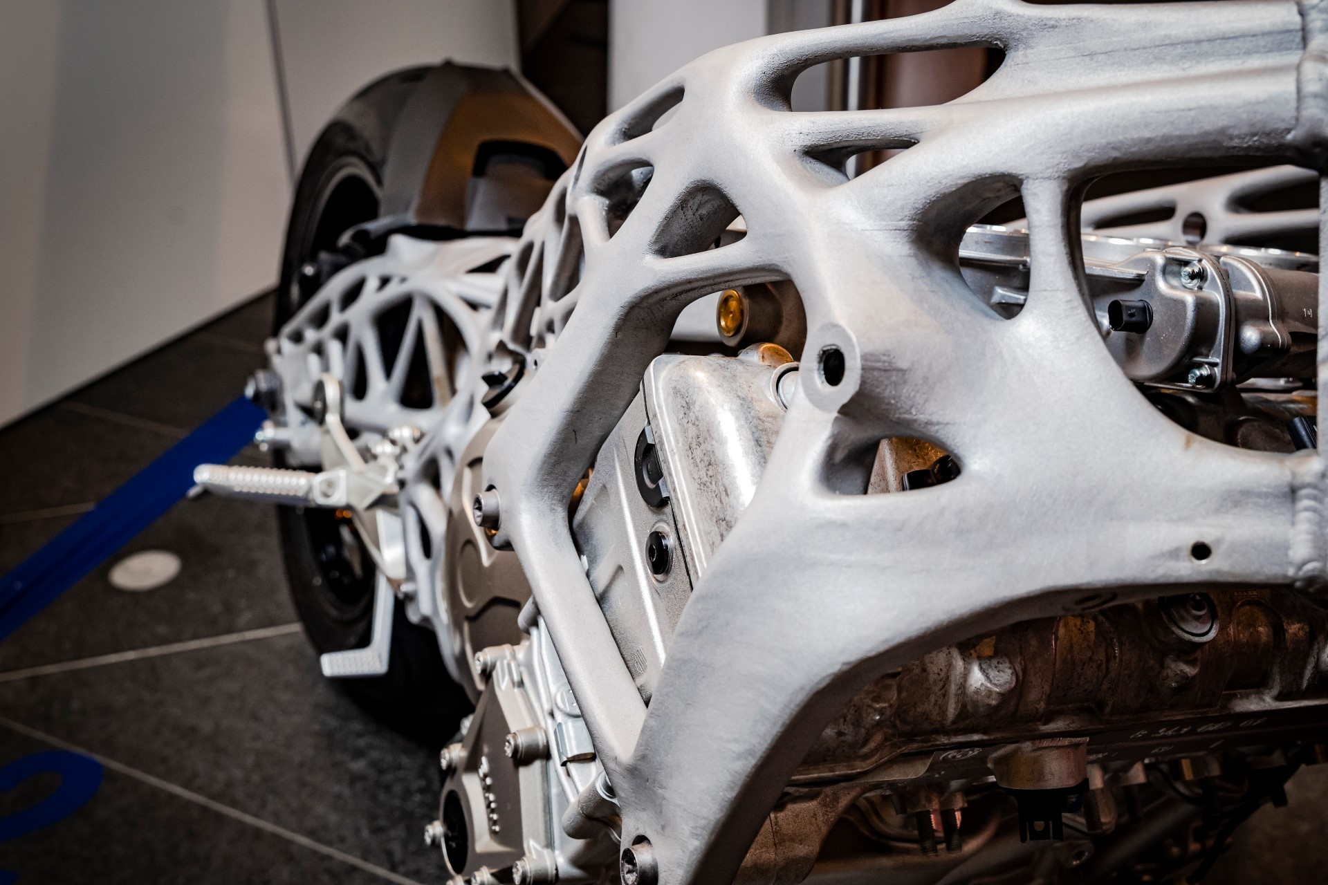 BMW reveals a 3D printed S1000RR chassis