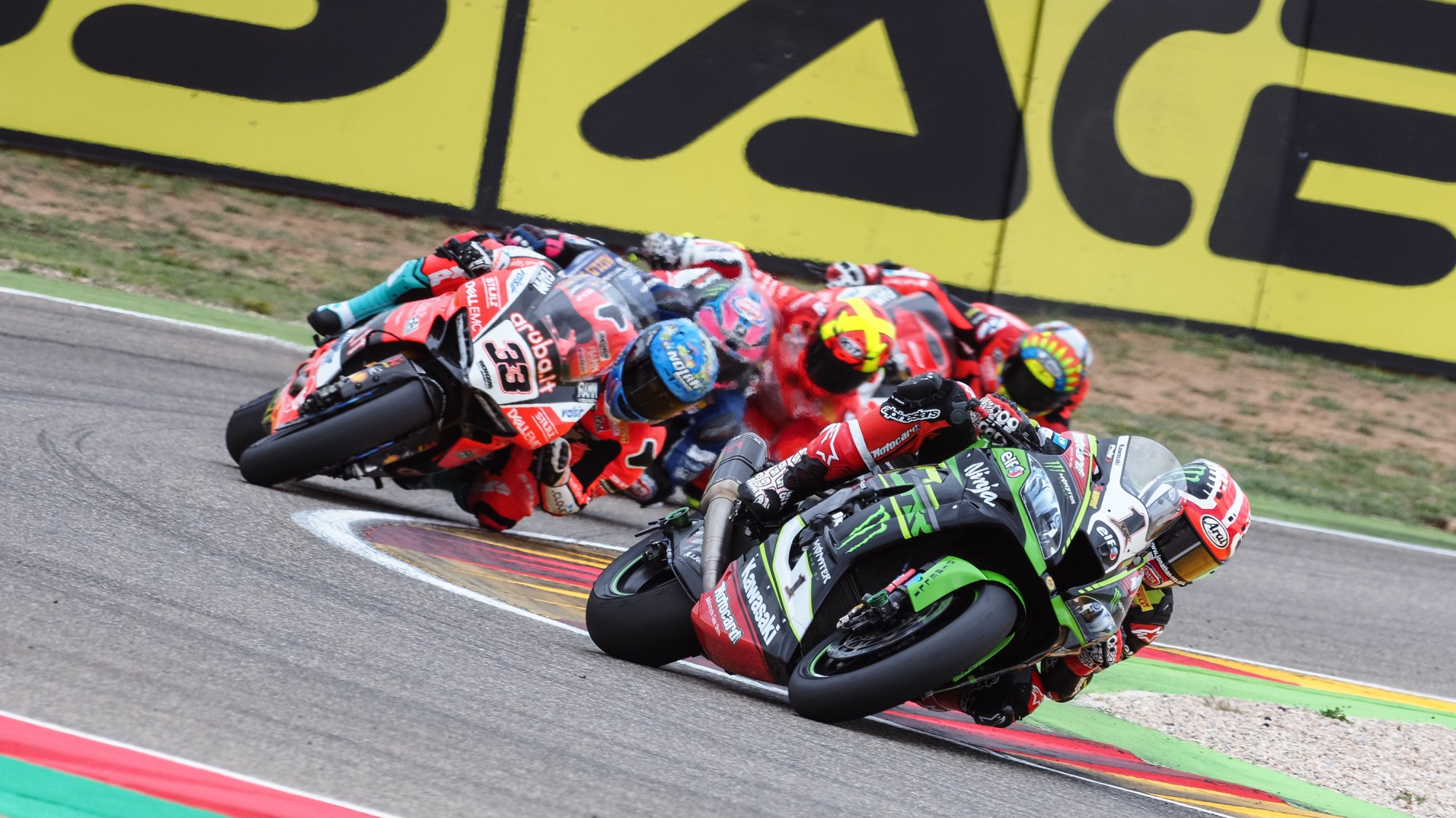 WSBK Aragon – Rea back in business wins Race 1