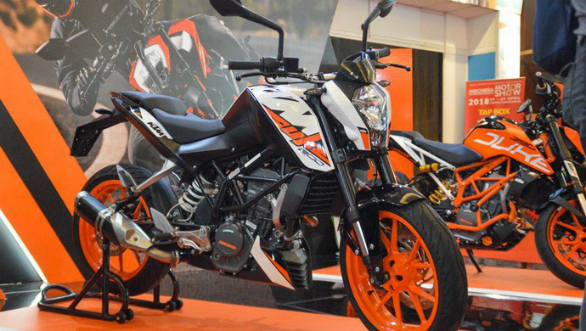 KTM Duke 200 features side-mounted exhaust in Indonesia