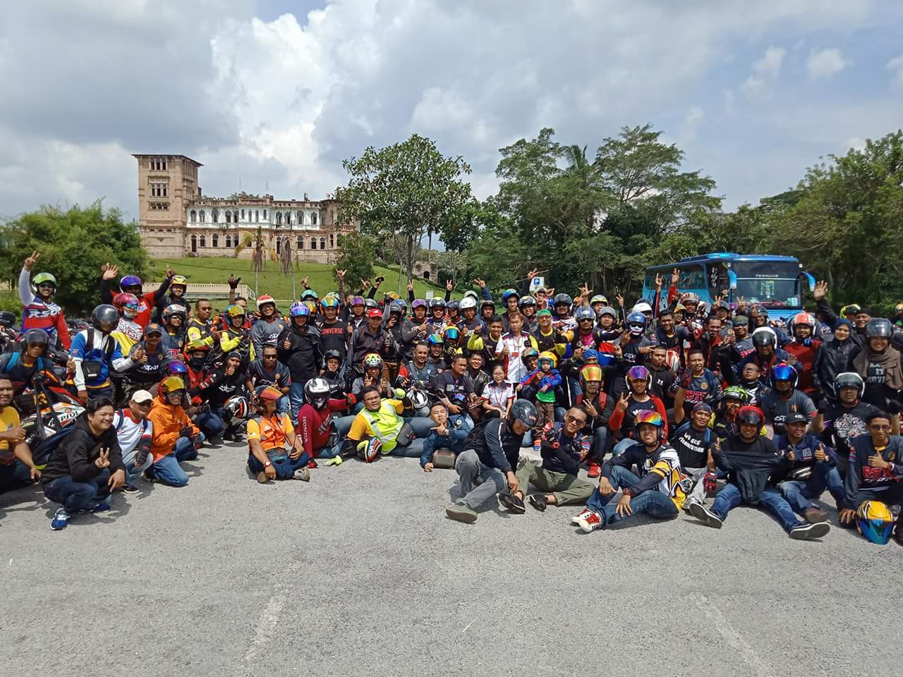 More than 130 Honda RS150R owners joined the GombaKing Ride Silaturrahim