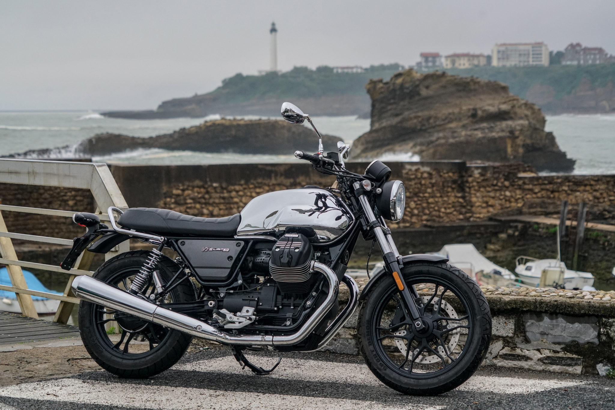 Moto Guzzi reveals the V7 III Limited at Wheels and Waves