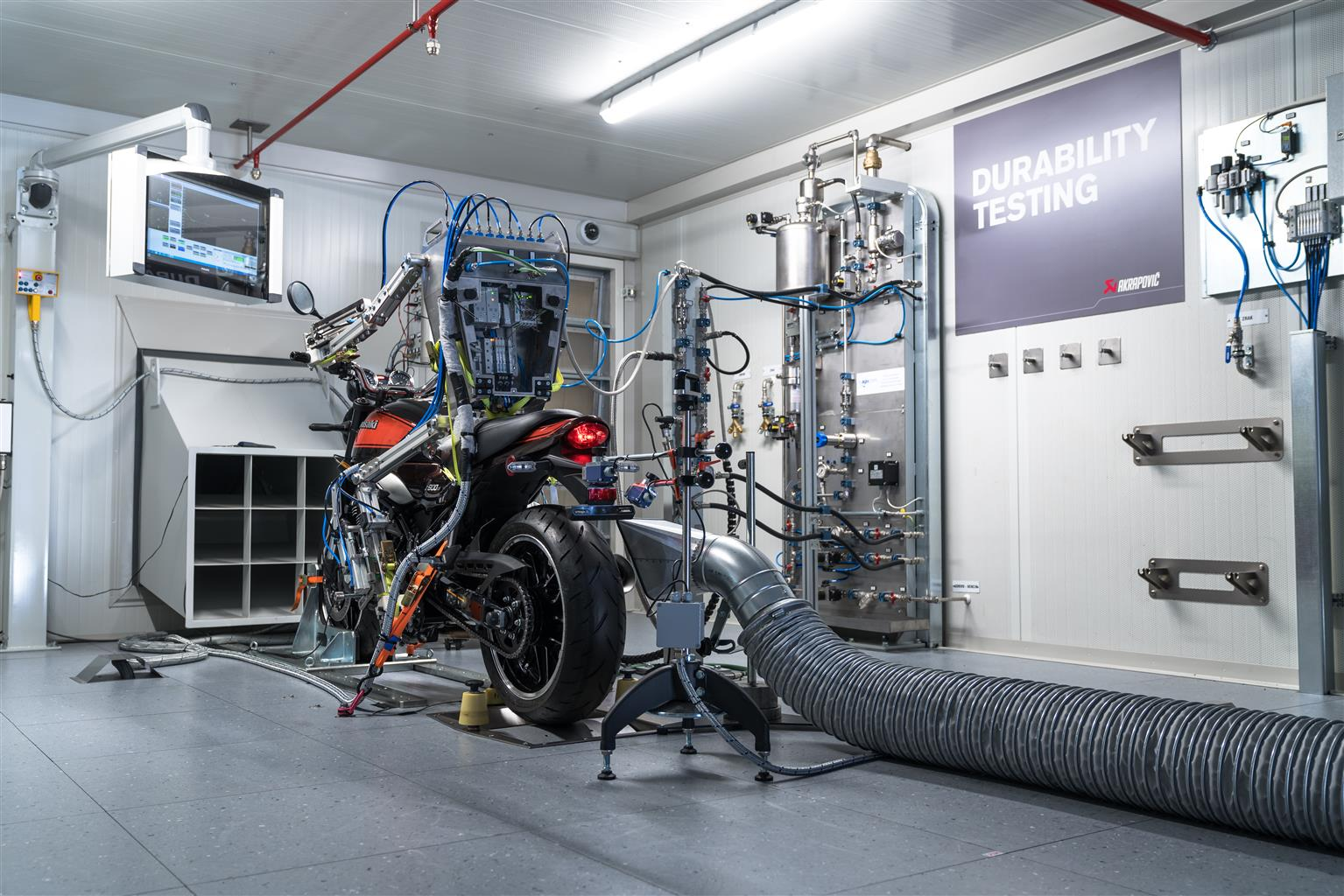 Akrapovic gets a robot to run durability tests on e