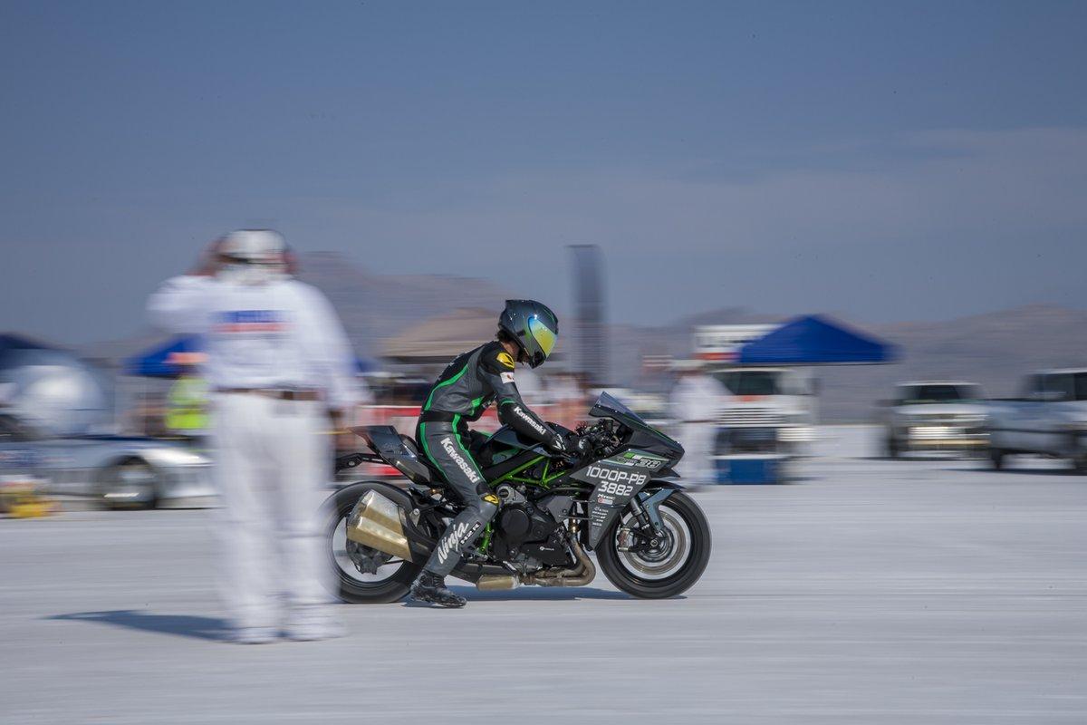 Kawasaki Ninja H2 beats Bonneville speed record