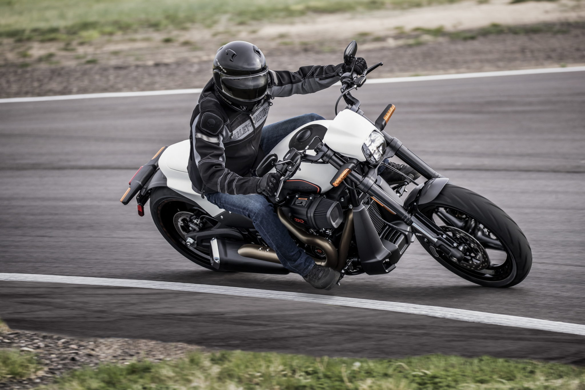 New Harley-Davidson FXDR 114 set to power the road!