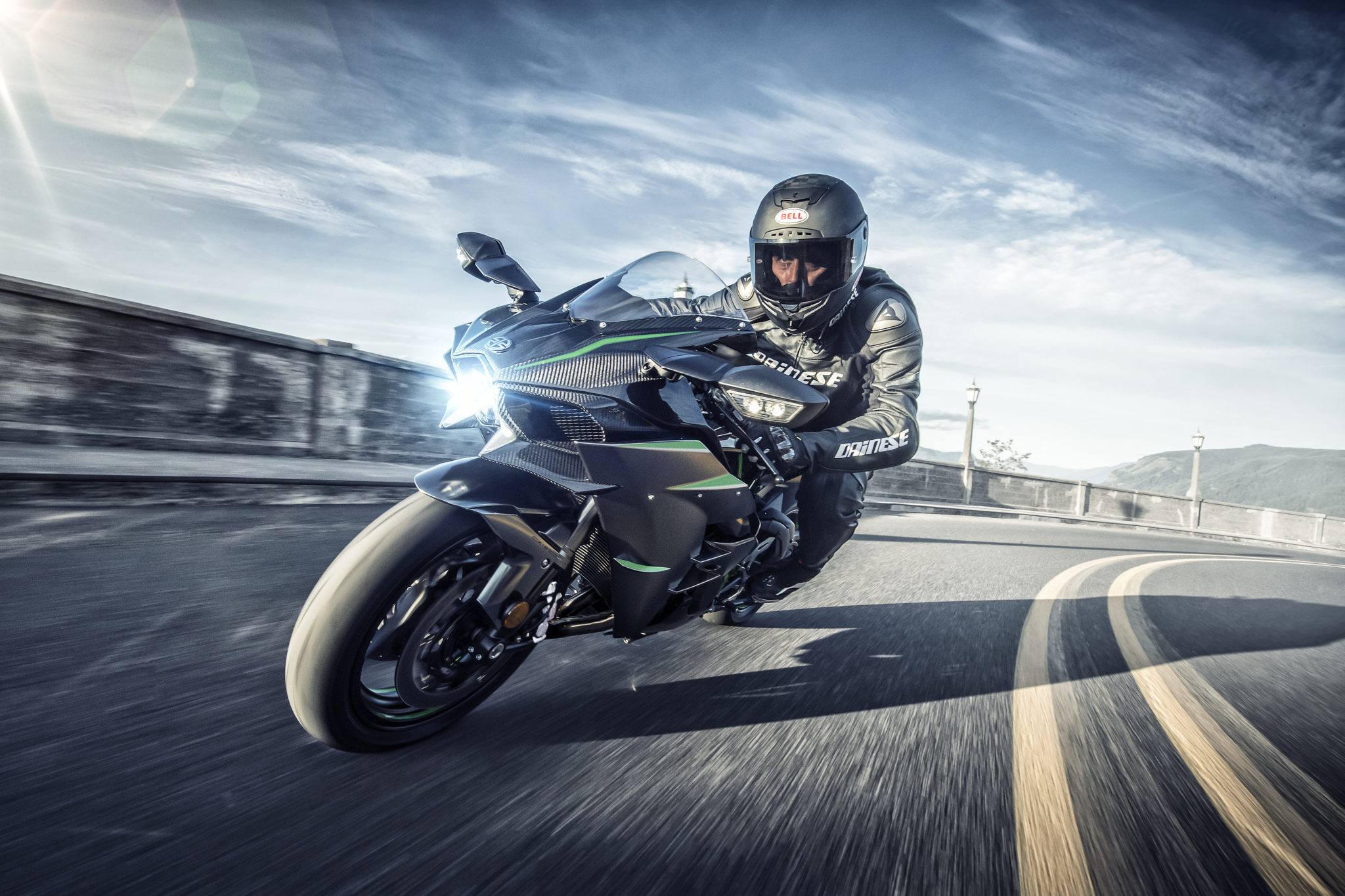 New 2019 Kawasaki Ninja H2 hits 230 hp!