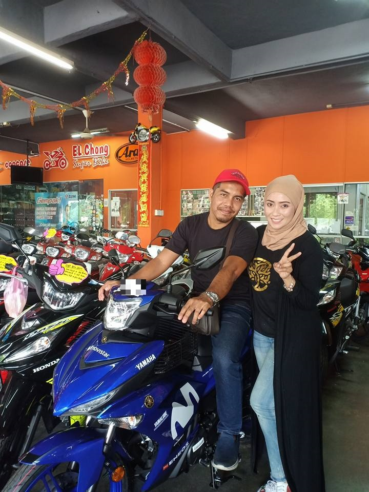 Malaysian wife gifts husband a brand new bike for their 16th wedding anniversary