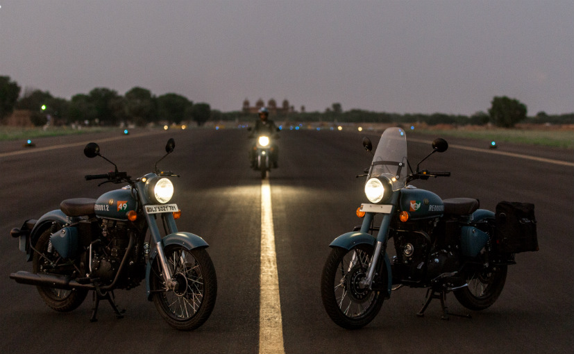 Royal Enfield launches the Classic Signals 350 in two new colours