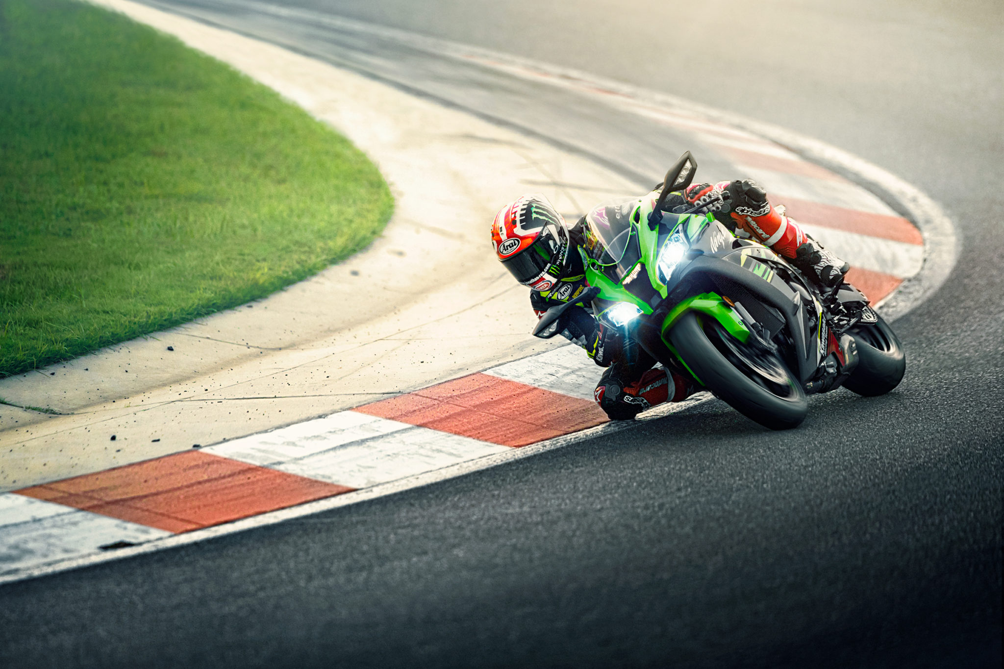 Kawasaki surprises with the new Ninja ZX-10R