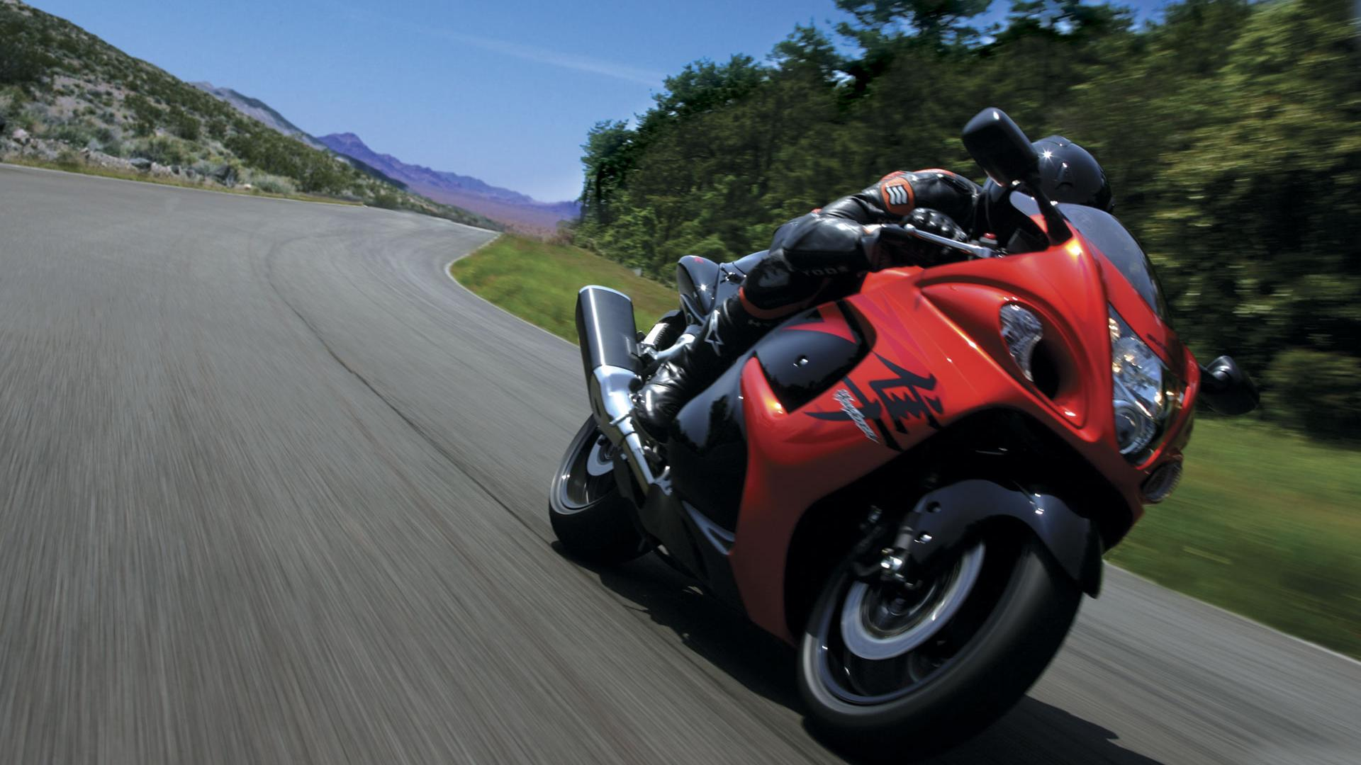 Suzuki applies a new patent for the mighty Hayabusa