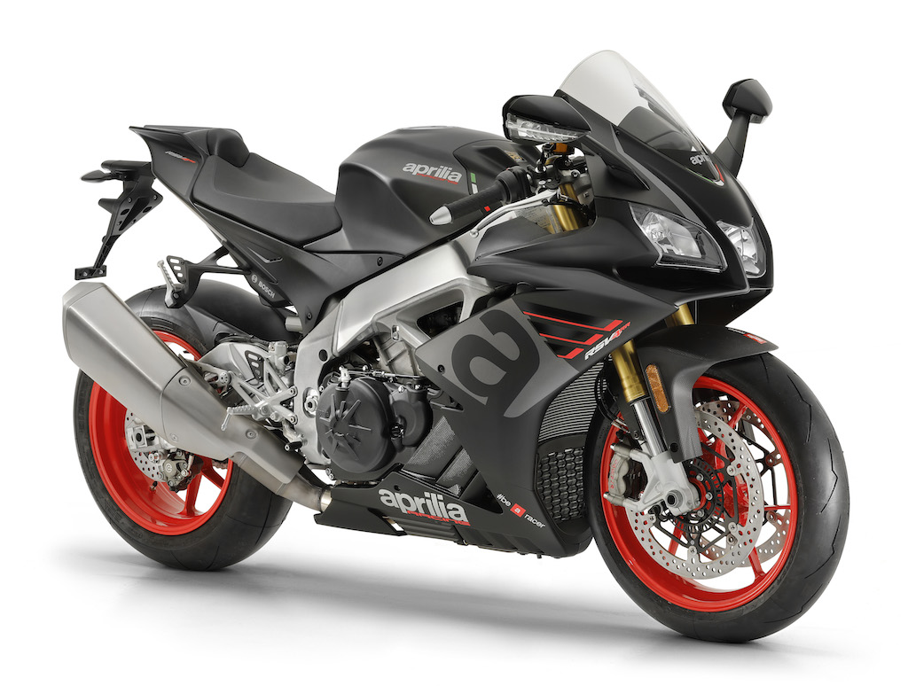 Aprilia brings the updated RSV4 and Tuono V4 to INTERMOT