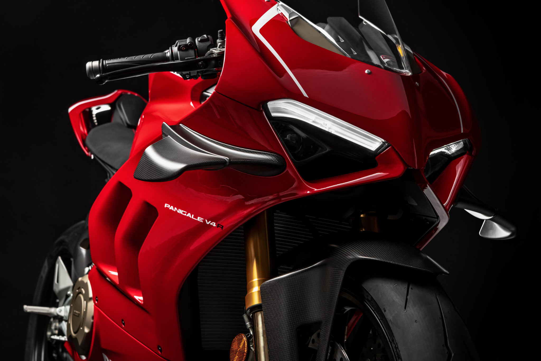 Ducati Panigale V4 R arrives with 221 hp and lots of torque!