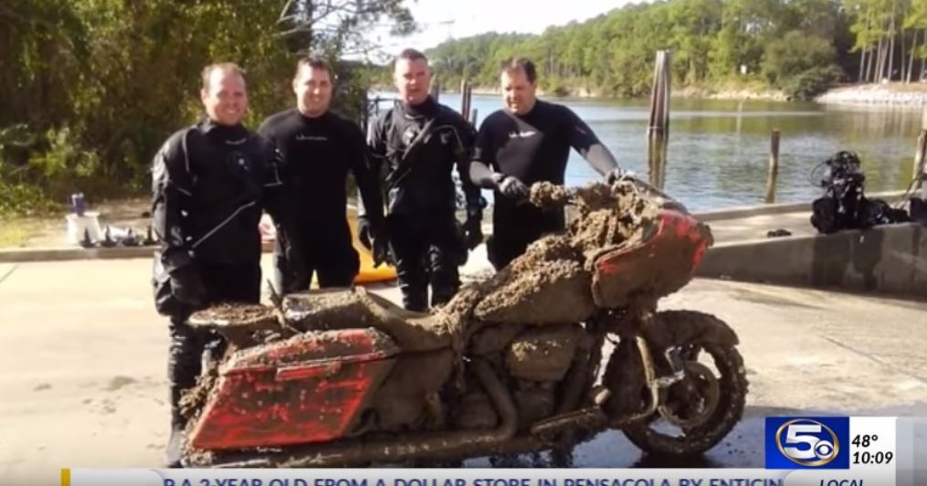 Police finds submerged Harley-Davidson Road Glide