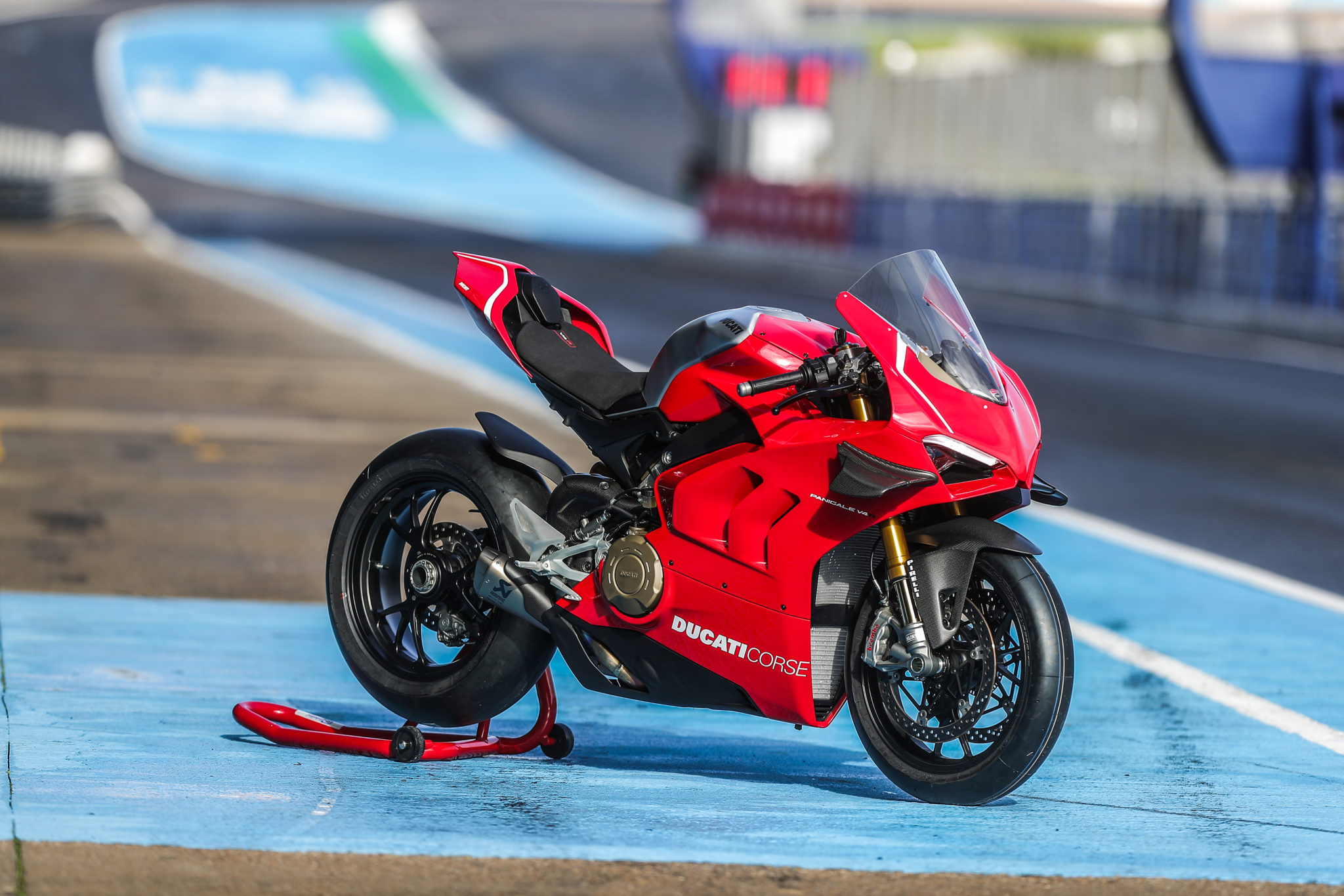 Ducati gives the Panigale V4 R a last minute upgrade