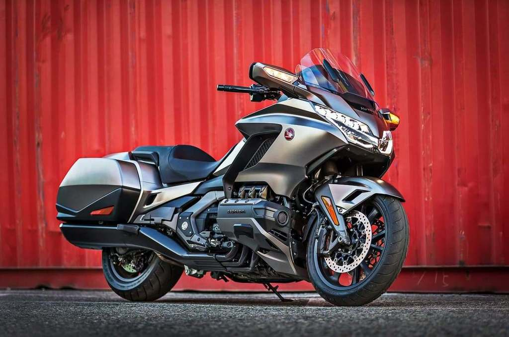 New Honda Gold Wing comes with 3D vision!