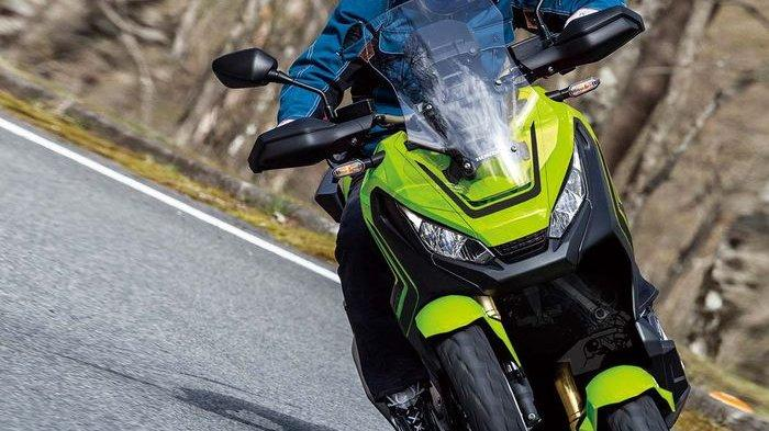 A X-ADV with three wheels on the way?
