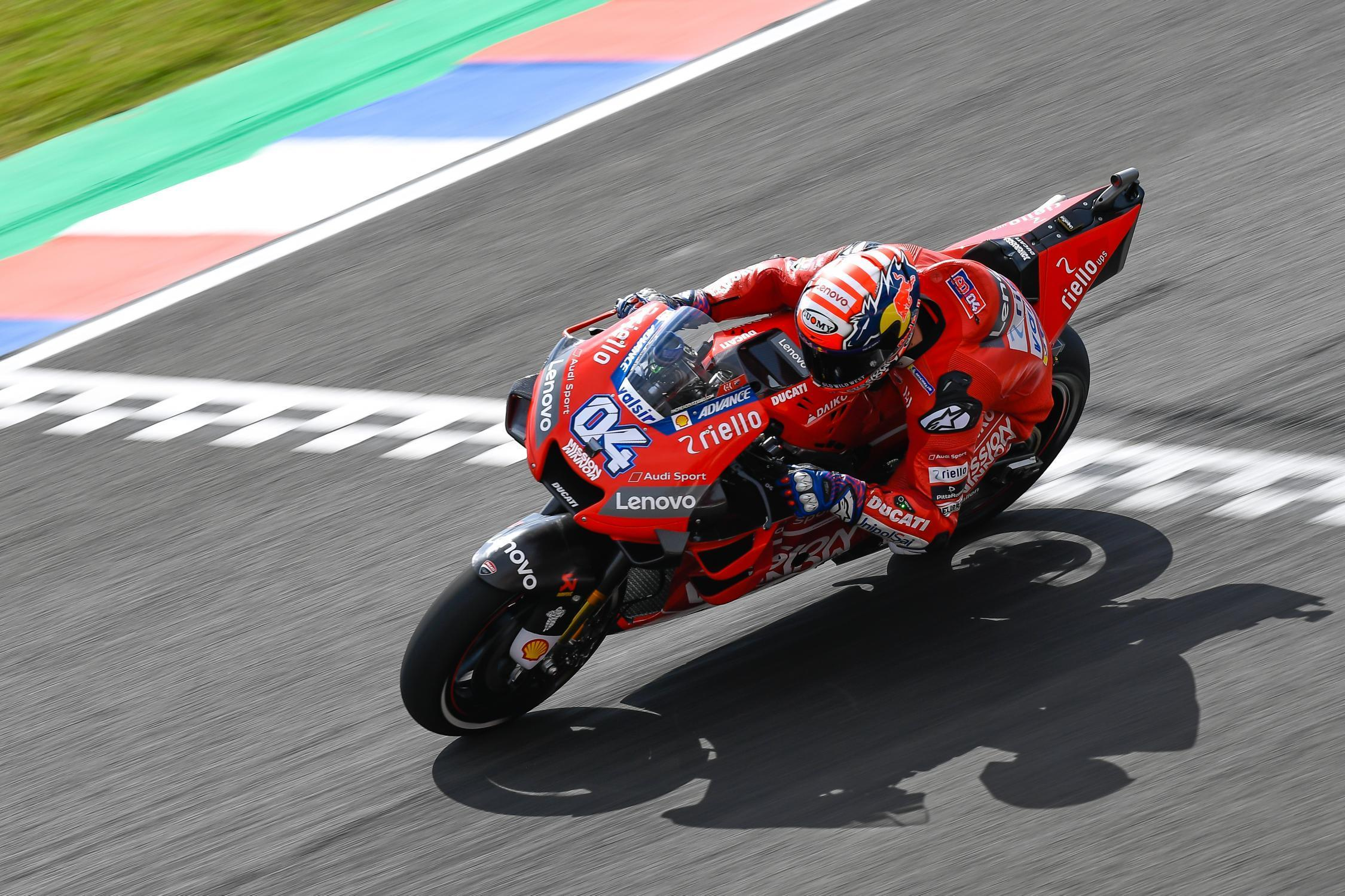 MotoGP – Dovizioso on top and 21 riders separated by just one second!