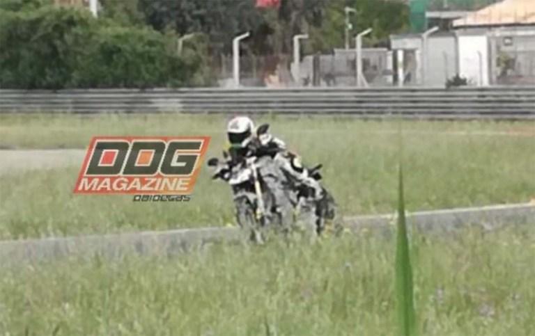 New spy shots of the Ducati Streetfighter V4