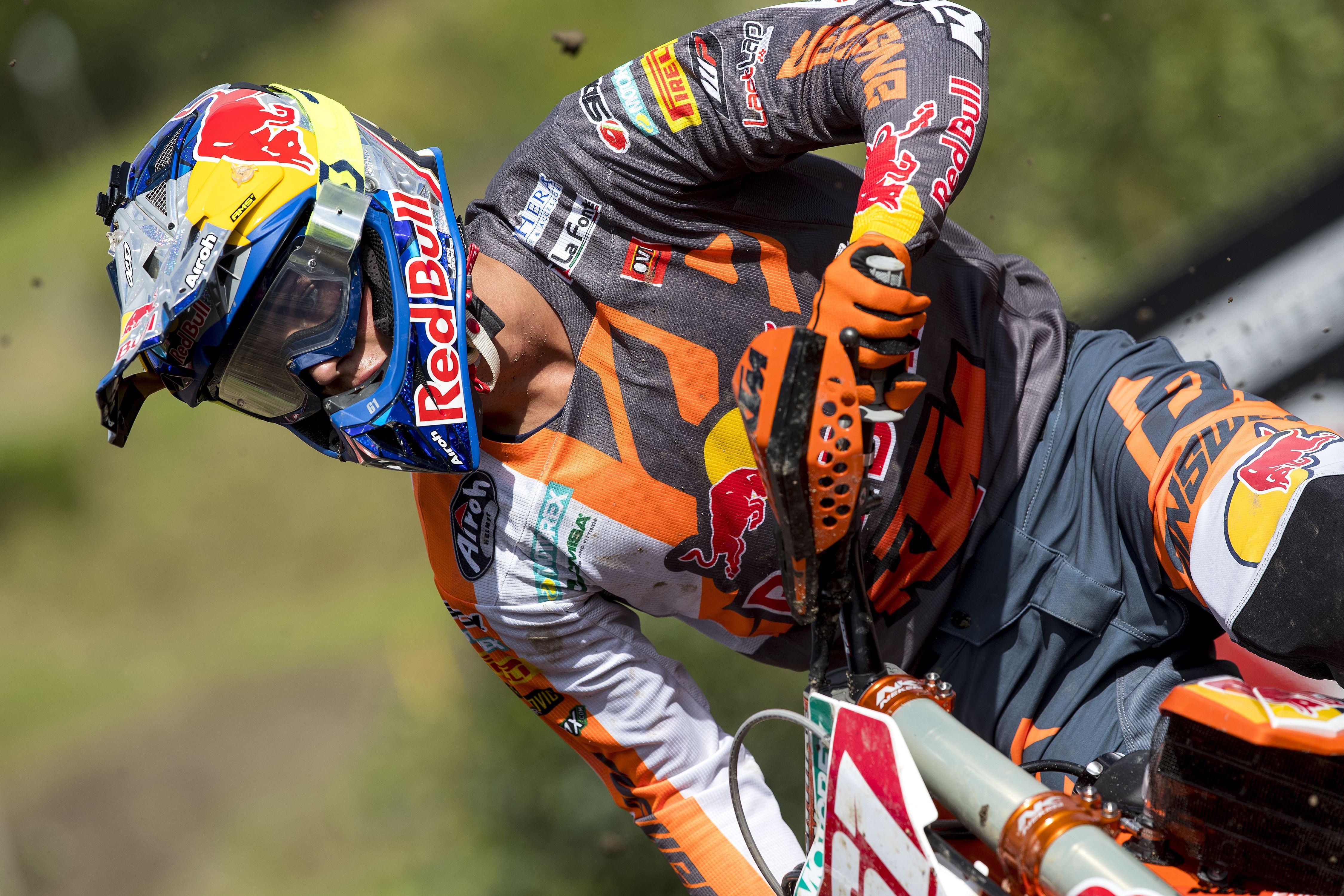 MX2 world champion Jorge Prado undergoes surgery for left femur