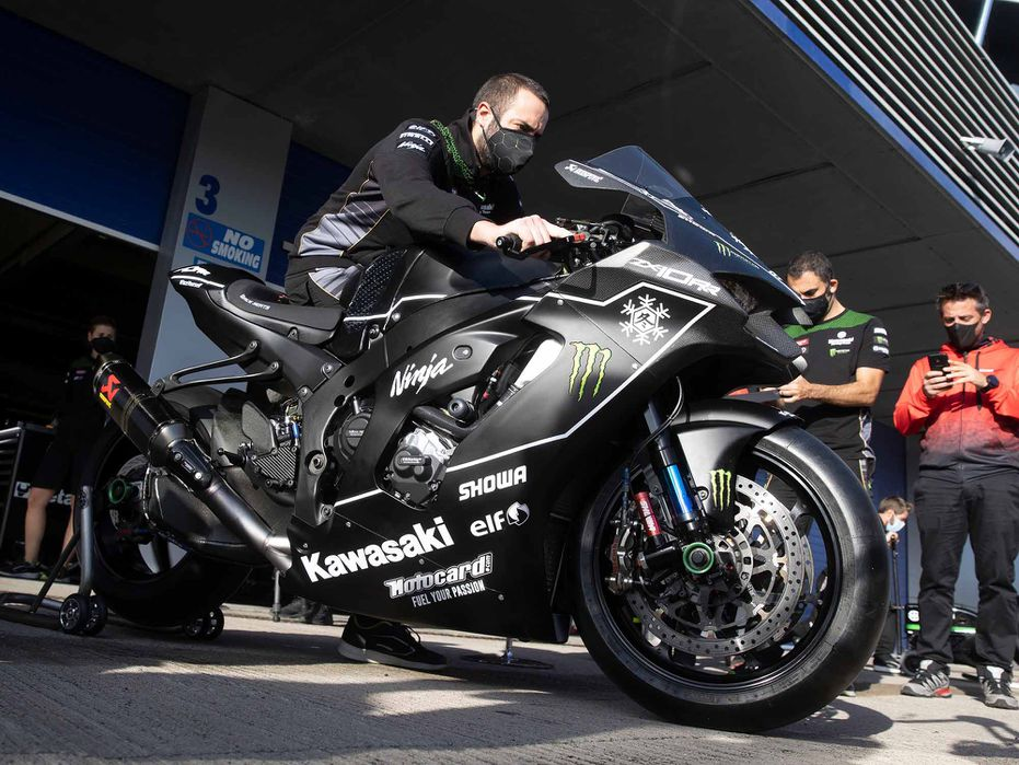 New Kawasaki Ninja ZX-10RR breaks cover at WSBK test ahead of launch