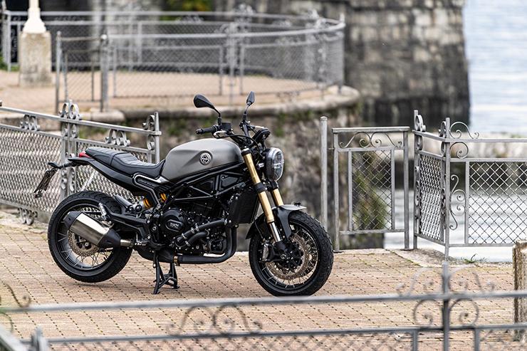 2021 Benelli Leoncino 800