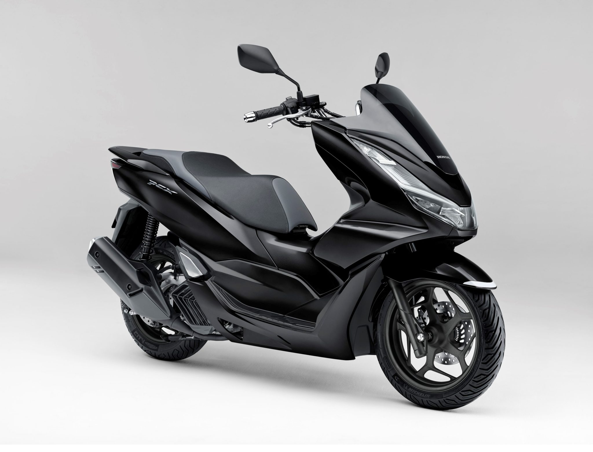 Honda Japan introduces the new PCX, PCX 160 and PCX e: HEV/ Hybrid